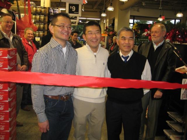 Charlie Lee, Robert Lee and Peter Lee = Lee's Market